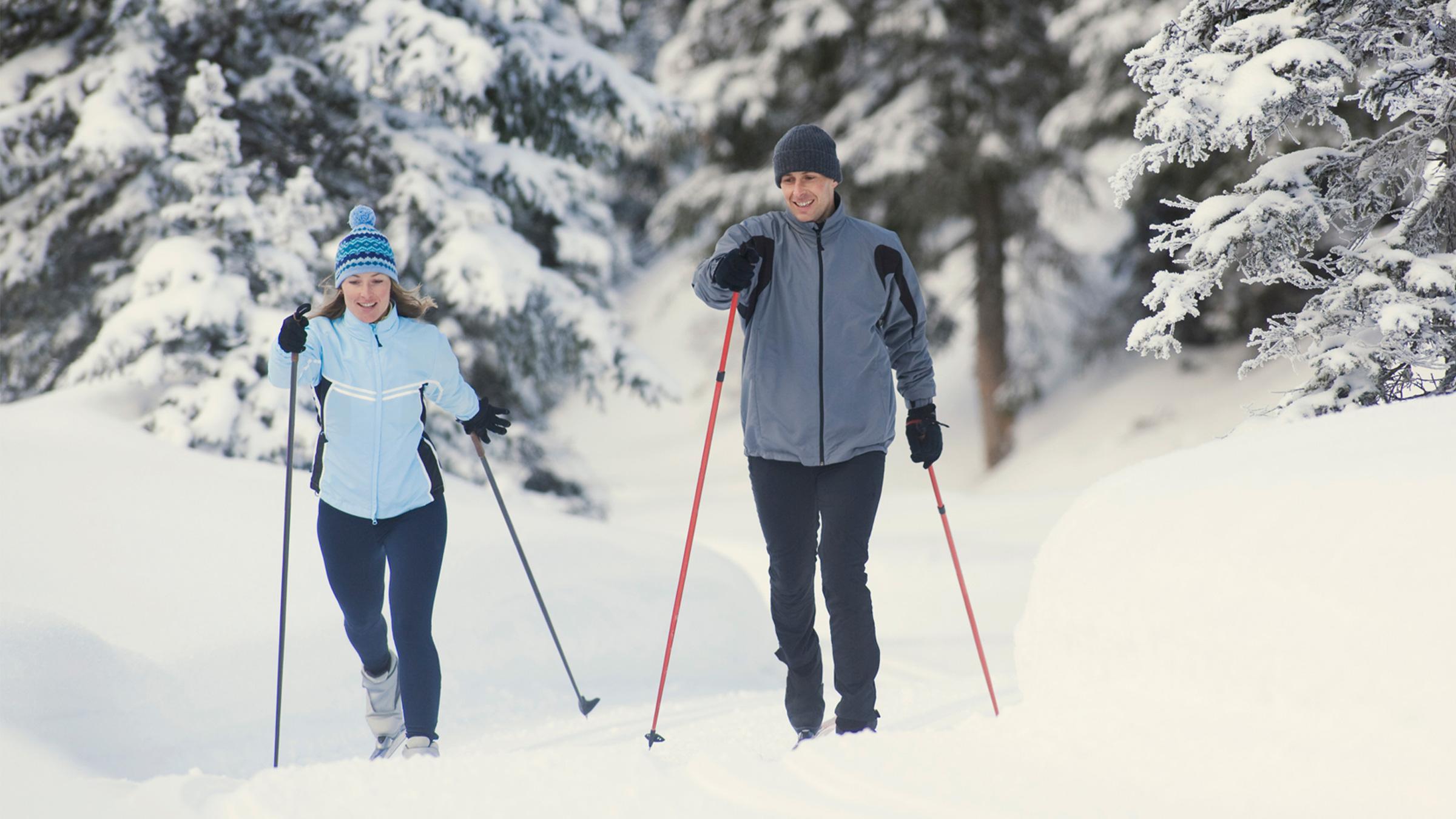 winter-activities-snowshoeing-crosscountry