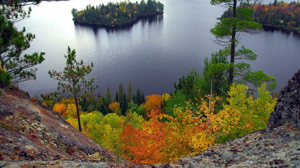 An Insider's Guide to Fall Colours in Muskoka