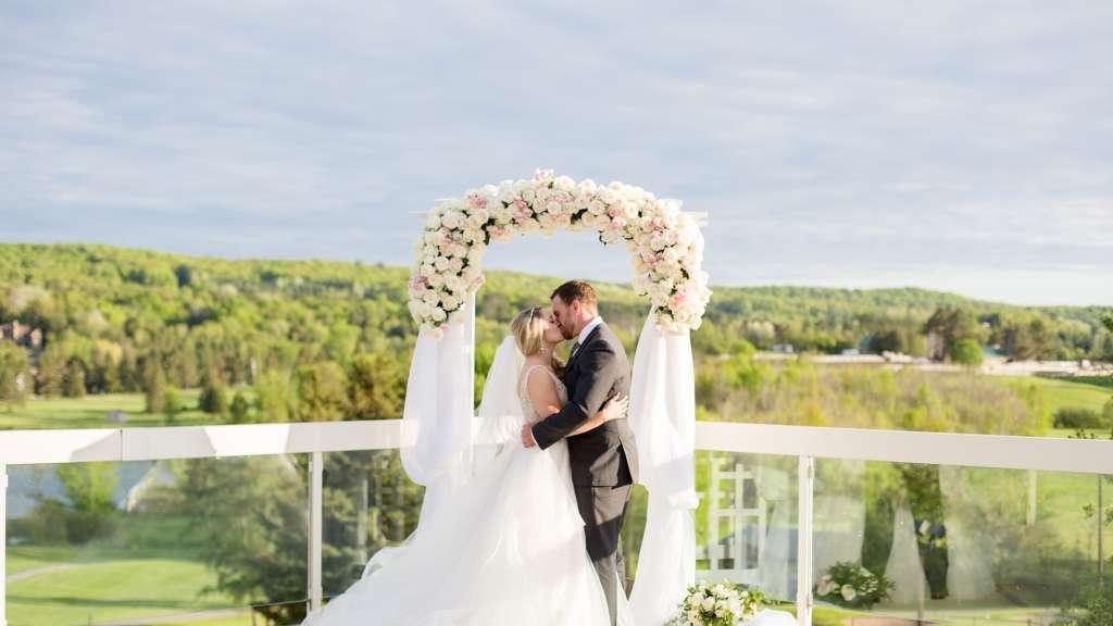 Alitsha & Jeff: Springtime Wedding in Muskoka